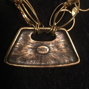Chico lovely purse chocker necklace.